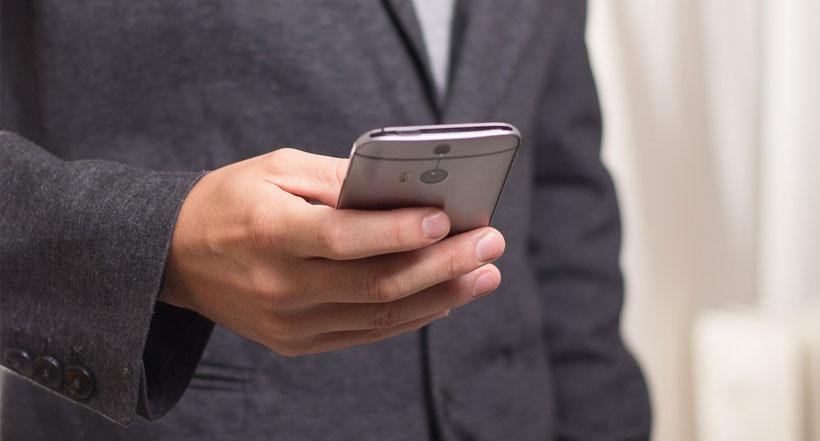 Préserver sa vie privée en supprimant les logiciels espions de son smartphone - detective privé à Paris